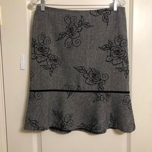 WHBM gray tweed lined skirt Size 8